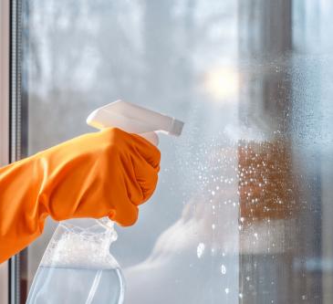 Είστε βέβαιοι ότι καθαρίζετε τα τζάμια σας σωστά;